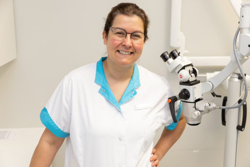 tandartspraktijk Enschede - assistente Dental Clinics Enschede