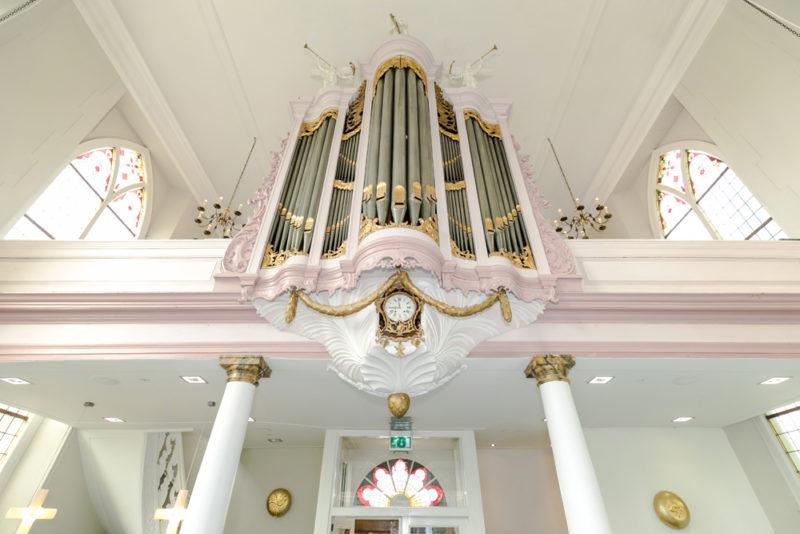 Strümphe-orgel Dental Clinics Tandarts Weesp