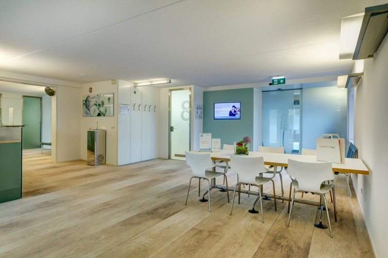 tandartspraktijk Rotterdam Zuid - wachtkamer Dental Clinics Rotterdam Zuiderterras