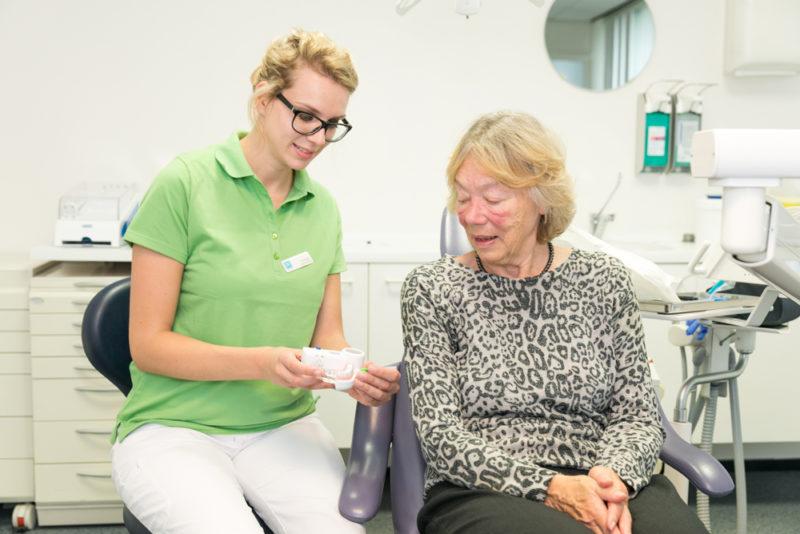 mondhygiënist Doetinchem Centrum - poetsadvies Dental Clinics Doetinchem Centrum