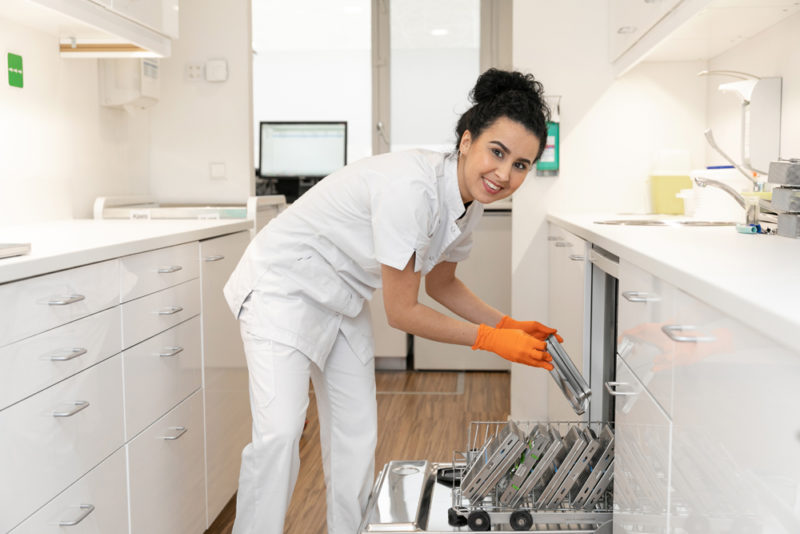 tandartspraktijk Veenendaal centrum - assistente Dental Clinics Veenendaal Scheepjeshof