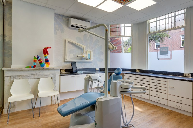 tandarts Den Haag Bomenbuurt - behandelkamer Dental Clinics Den Haag Thomsonlaan