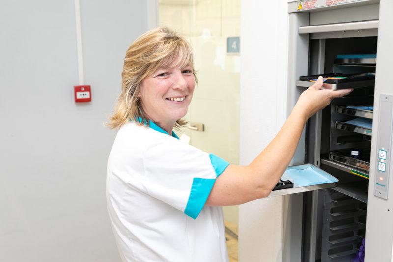 tandartspraktijk Den Haag Bomenbuurt - assistente Dental Clinics Den Haag Thomsonlaan