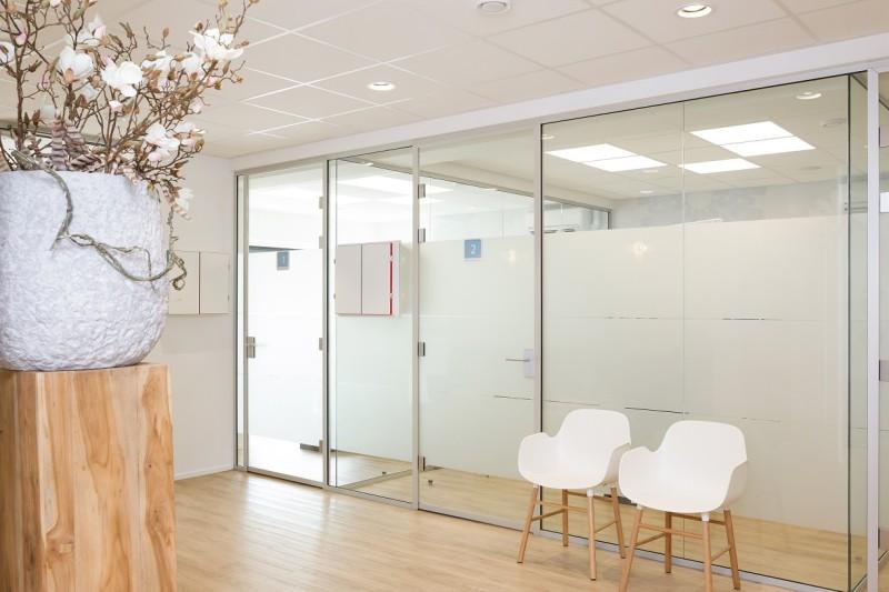 wachtruimte Dental Clinics Den Haag Laan van Meerdervoort