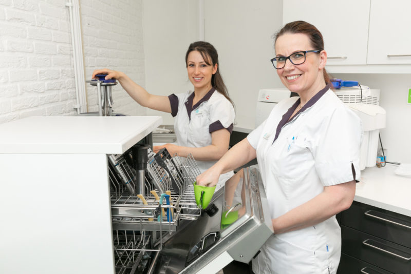 tandartspraktijk Groningen - assistentes Dental Clinics Groningen Vinkhuizen