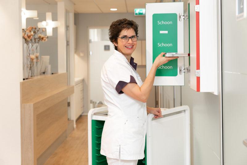 tandartspraktijk Veenendaal west - assistente Dental Clinics Veenendaal de Reede