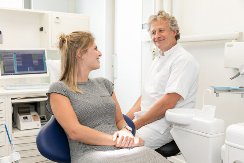 implantaat Pijnacker - implantoloog Dental Clinics Pijnacker