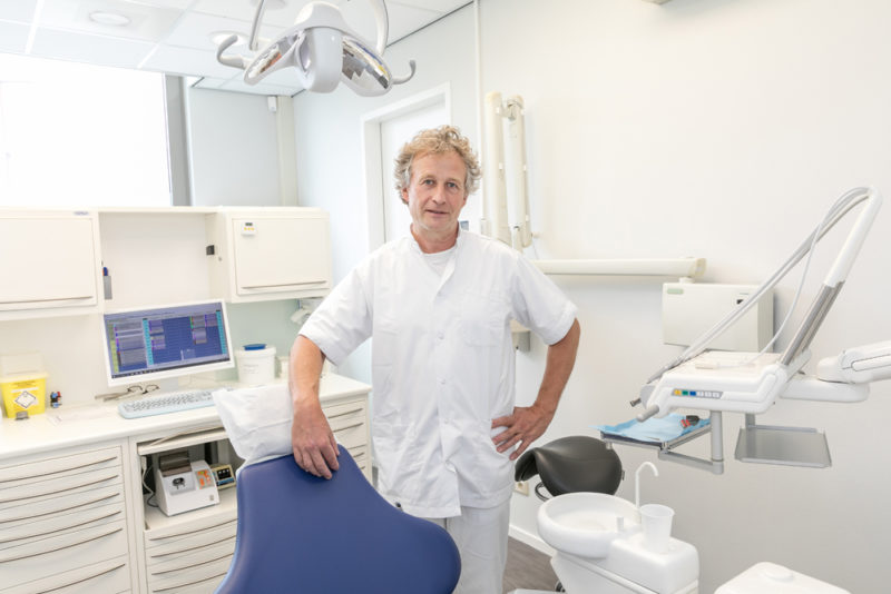 implantoloog Pijnacker - implantaat Dental Clinics Pijnacker