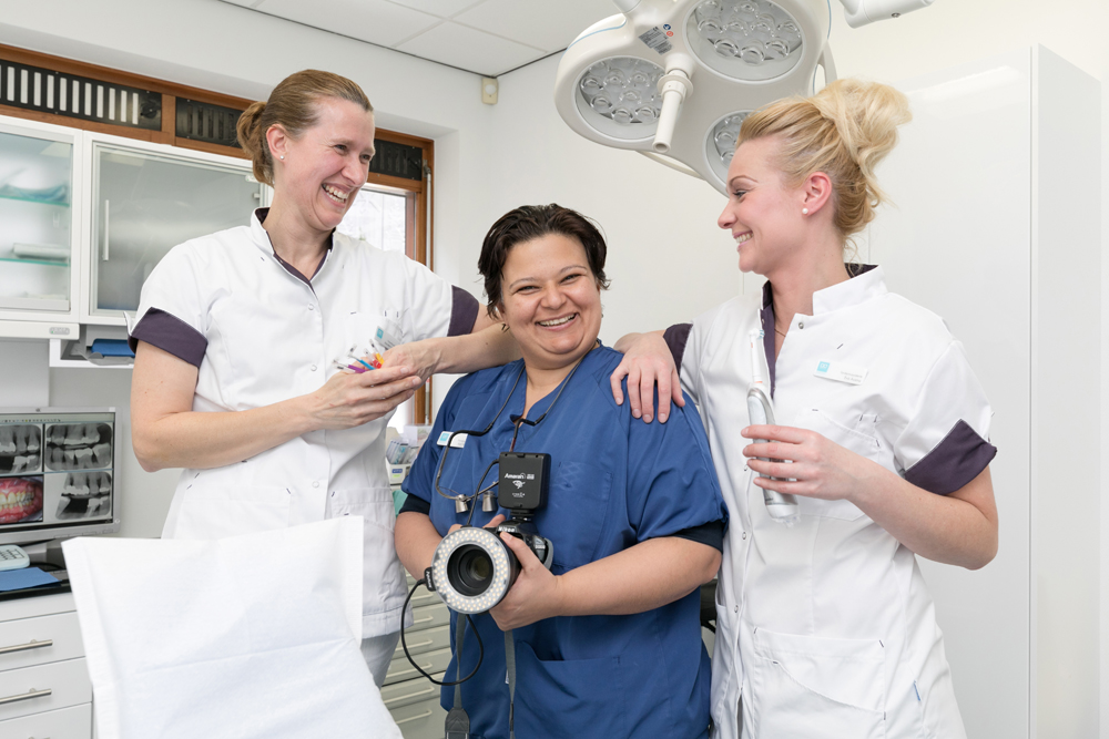 mondhygiënist Almere Buiten - tandarts Dental Clinics Almere Westeinde