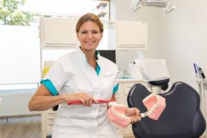 mondhygiëne Den Haag Escamp - paro preventie-assistent Dental Clinics Den Haag Wateringse Veld