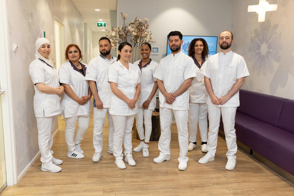 team Den Haag Escamp - tandartspraktijk Dental Clinics Den Haag Wateringse Veld