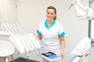tandartspraktijk Almere Filmwijk - assistente Dental Clinics Almere Filmwijk