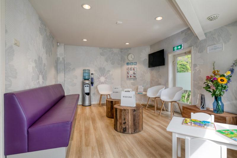 tandartspraktijk Rotterdam Hillegersberg - wachtkamer Dental Clinics Rotterdam Berglustlaan
