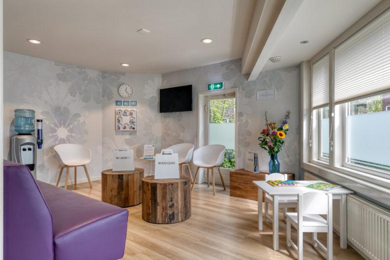 tandartspraktijk Rotterdam Hillegersberg - wachtruimte Dental Clinics Rotterdam Berglustlaan