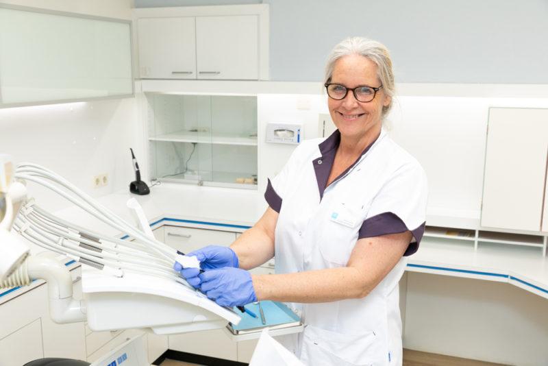 tandarts Rotterdam Hillegersberg - assistente Dental Clinics Rotterdam Berglustlaan