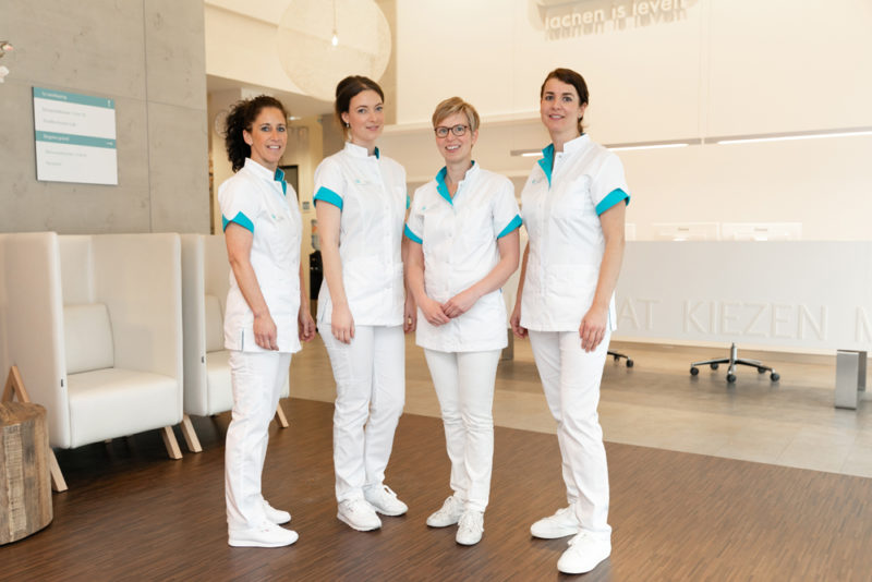 tandarts Vlissingen - assistentes Dental Clinics Vlissingen