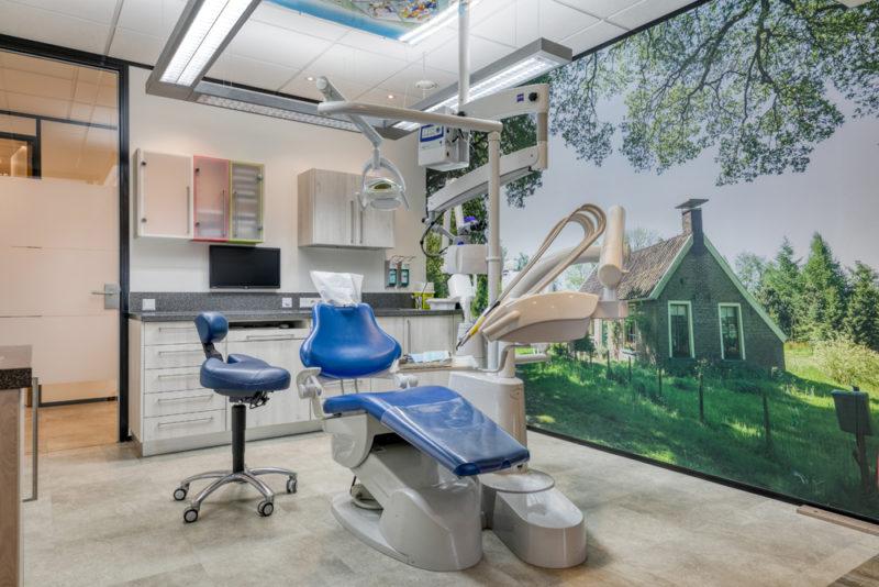 tandarts Gieten - behandelkamer Dental Clinics Gieten